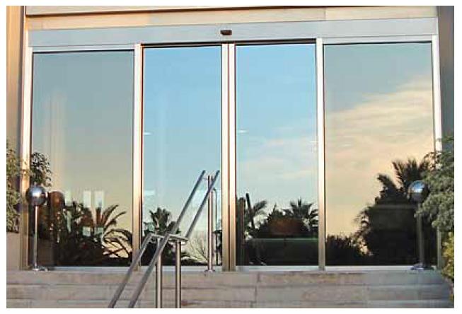 Puertas correderas de cristal carpinteria de aluminio - Puerta corredera de aluminio ...